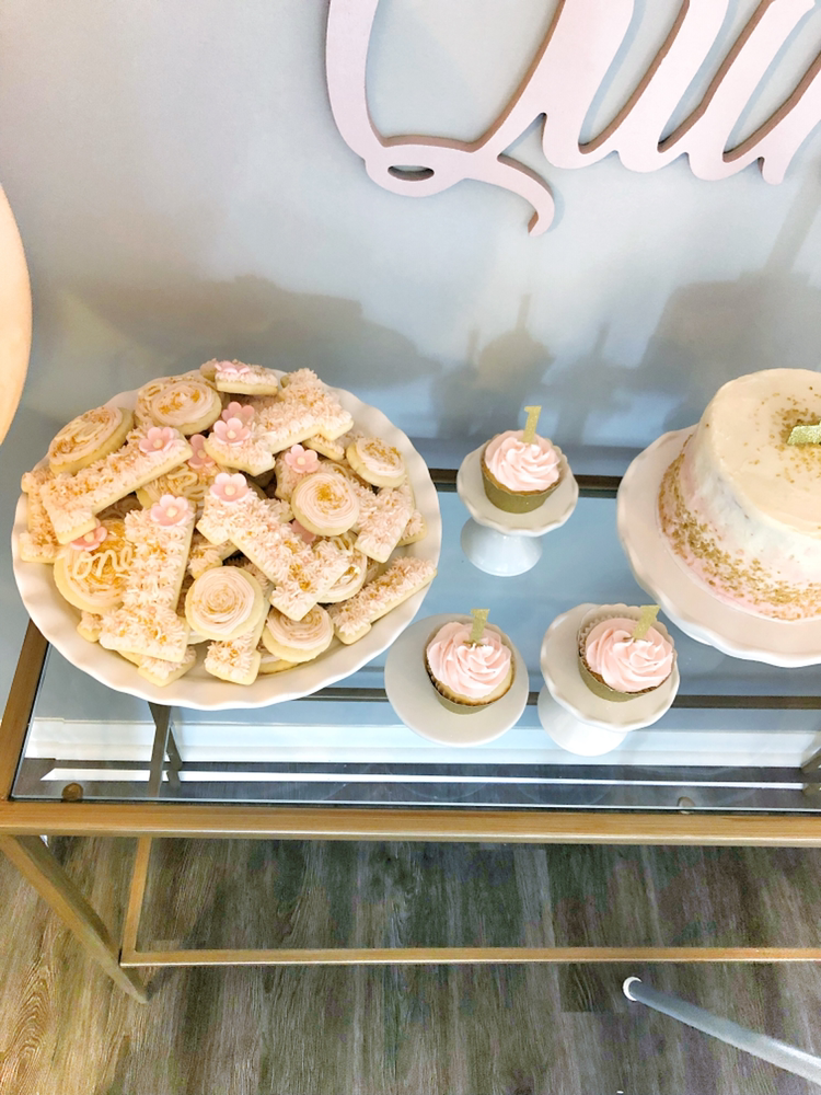 Adelaide's Pink and Gold First Birthday Smash Cake and 1 Cookies | Blush and Batting Blog